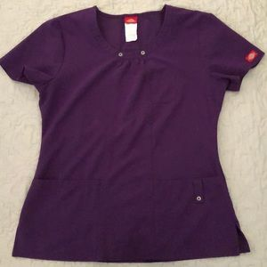 Dickies Xtreme Stretch top priced to sell!